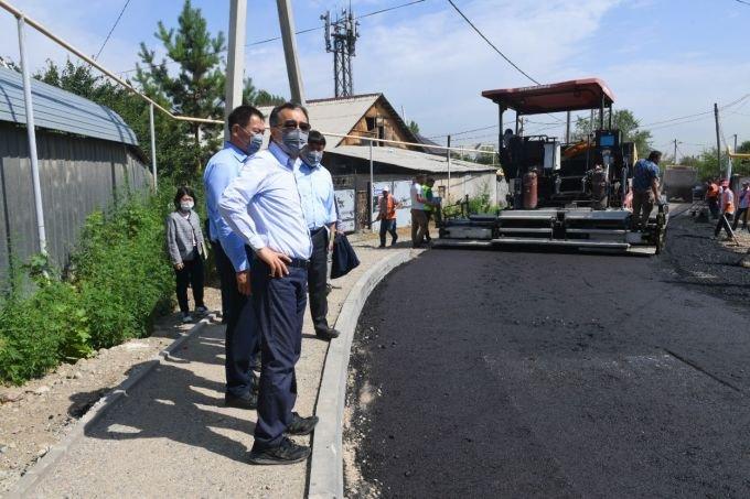 Аким Алматы ознакомился с ходом строительства соцобъектов Медеуского района